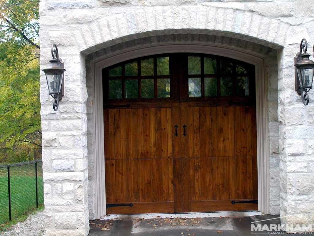 027-Coach-House-Knotty-Wood-Door